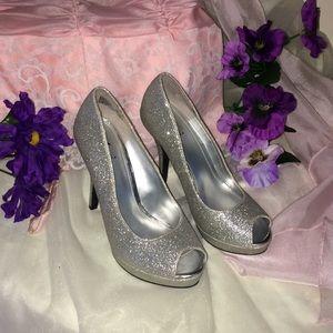 Fioni Heels Size 5.5 !